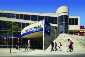 Как учатся студенты одного из крупнейших вузов Торонто George Brown College