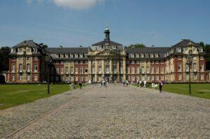 Вестфальский университет им. Вильгельма (Westfälische Wilhelms-Universität)