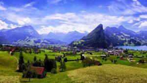 Немного о Швейцарии, гостиничном бизнесе, трудоустройстве и зарплатах